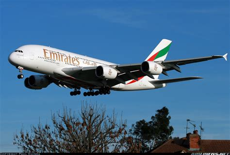emirates yvr of vancouver