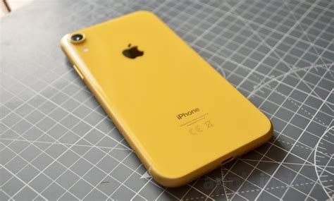 review  iphone xr isnt   flagship  isnt
