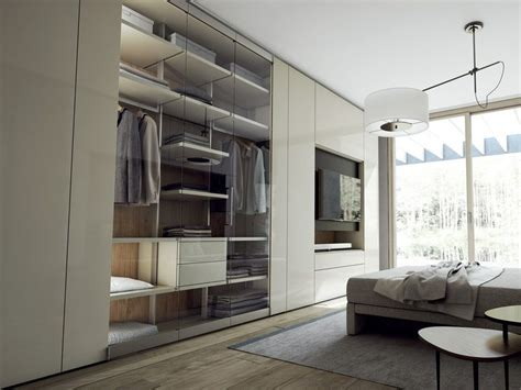cabinet de curiosité contemporain 966 armadio componibile laccato in legno e vetro con tv