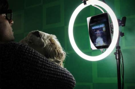 ring light photo booth phhhoto is an animated gif creating halo spreding photo