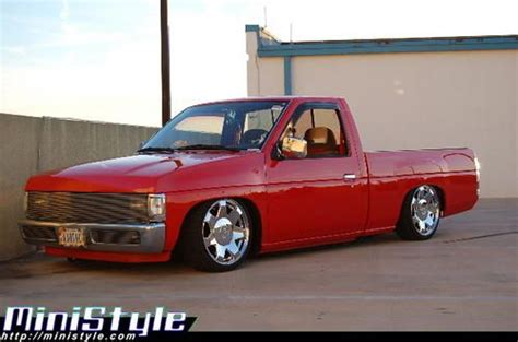 nissan hardbody lowered custom 1000 ideas about frontier nissan on pinterest 2010