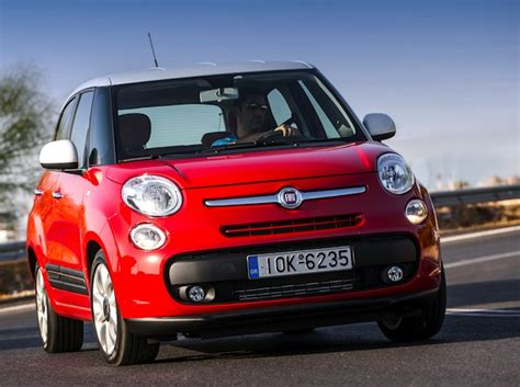 italy january 2013 fiat 500l improves again in dire