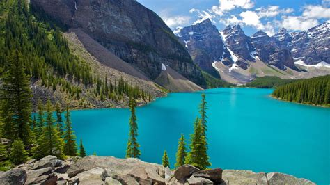 Cheap Flights to Lake Louise   C$312.10: Get Tickets Now
