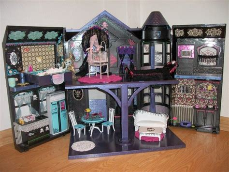 Ooak Dollhouses This Is One Of The Many Monster High