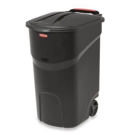 rubbermaid roughneck 45 gal black wheeled trash can with
