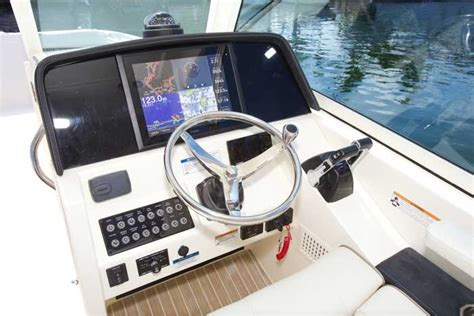 world cat boat cover research 2016 world cat boats 320dc on iboats