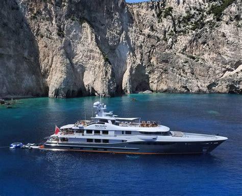 yacht gene machine 55m gene machine rescues sailing yacht in the atlantic