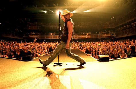 country music concerts in america 2014 kenny chesney to receive groundbreaker award at the