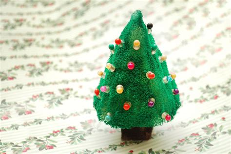 how to make a mini beaded christmas tree 7 steps with