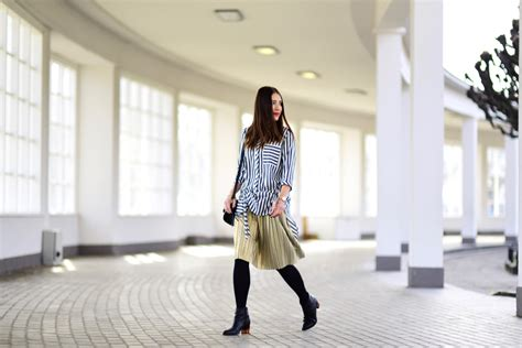 how to wear pleated skirt in two ways shiny syl