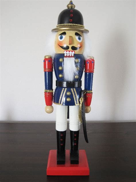 soldier nutcrackers