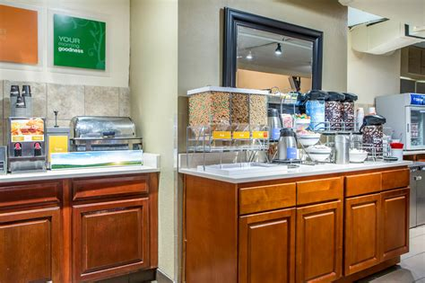 comfort suites o hare chicago comfort suites o hare airport reviews photos rates