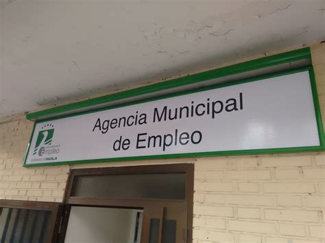 oficina de empleo parla el ayuntamiento firma un convenio con el banco sabadell