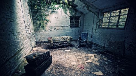 abandoned spaces mysterious abandoned places pictures