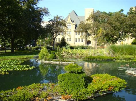 topiary park columbus ohio visiting columbus here s 5 things you should see