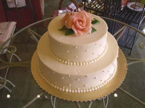 wedding cake layers wedding cake with 2 layer roses 2 comments