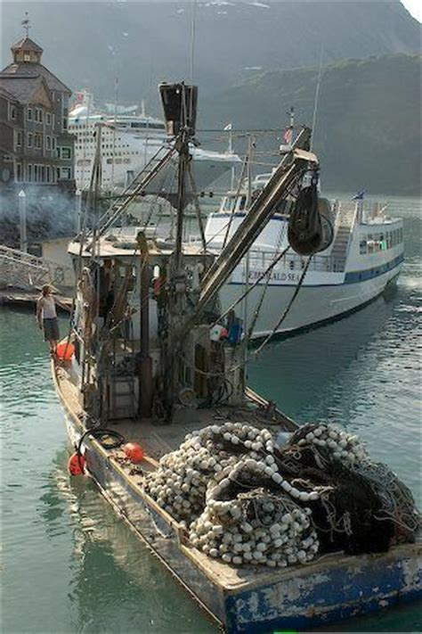boat harbour rock fishing 25 best ideas about fishing boats on pinterest ocean
