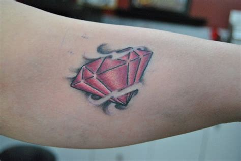 30 unique diamond tattoo design