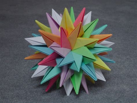 Modular Origami - modular origami intersecting plane models folded by