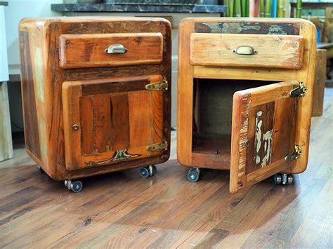 comodini vintage comodini stile vintage con ruote in offerta prezzo on line