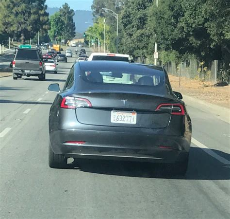 tesla model 3 gray tesla model 3 spotted with a new color gray electrek