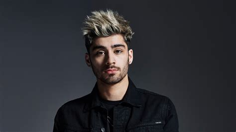zayn malik debuts new ballad quot it s you quot on fallon