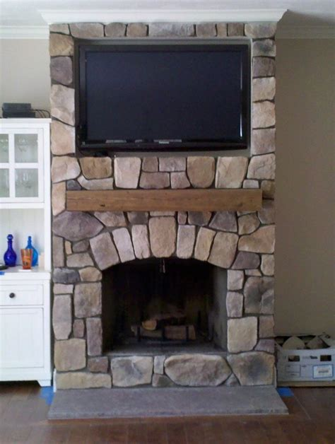living room small byt fireplace idea with