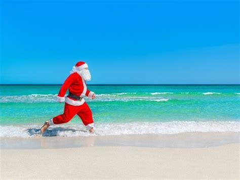 imagenes de santa claus en la playa バーベキューとビールが鉄板 南半球オーストラリアの不思議なクリスマス cafeglobe