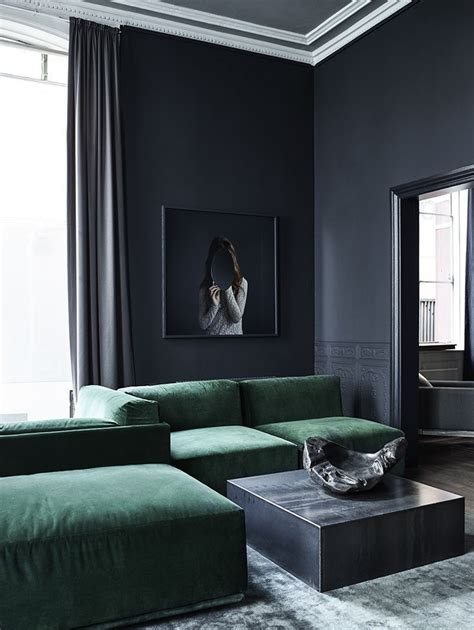 Design Ideas For Grey Velvet Sofa Masuline Luxurious Living Room With Walls And A Green Velvet Sofa Velvet Everywhere