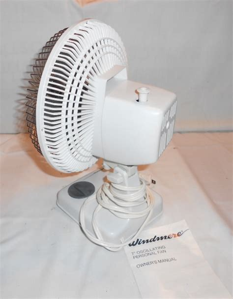 Small Oscillating Desk Fan Vintage Windmere Small 7 Quot Oscillating Desk Fan 2 Speed White Ebay