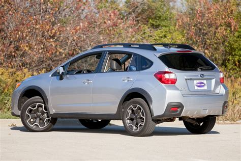 subaru cars 2013 2013 subaru xv crosstrek overview cars com