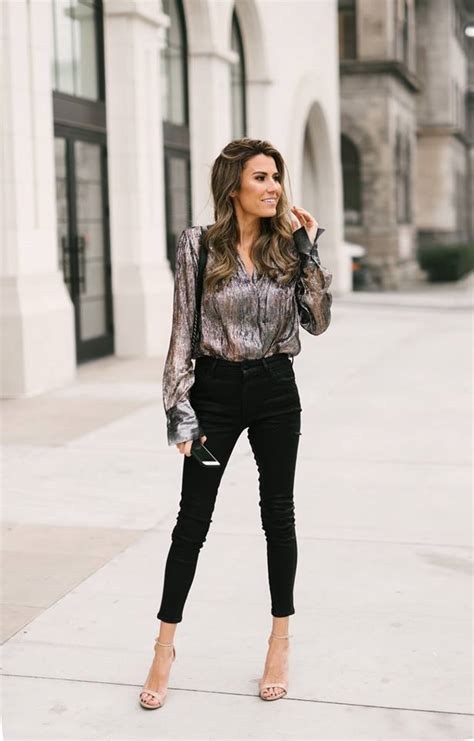 outfit ideas   girls night    cold