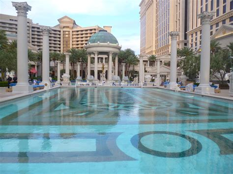 Garden Of The Gods Pool Garden Of The Gods Oasis At Caesars Palace Rosarioknows