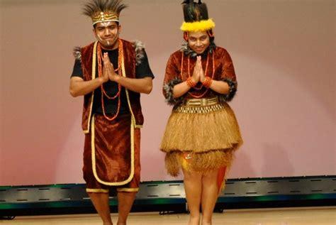 Baju Adat Papua Anak budaya indonesia kesenian dan budaya papua