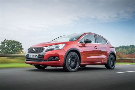 ds  crossback bluehdi  review   drive motoring research