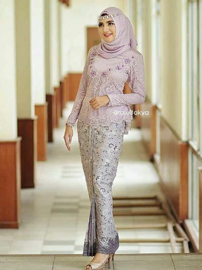 Kebaya Muslim Kebaya Modern Batik Setelan Wanita Clarissa Set tilan model kebaya muslimah modern paling mempesona