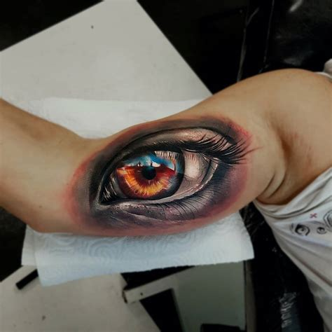 how are 3d tattoos done human eye realism mens bicep best design ideas