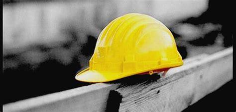 consolato rumeno a roma stava eseguendo lavori edili su una terrazza muore