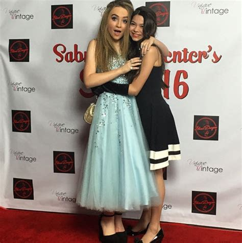 my friend cayla hairstyles photos sabrina carpenter with friends family at