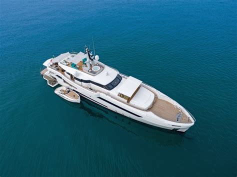 cruise n comfort cruise in comfort aboard the wider 150 genesi superyacht