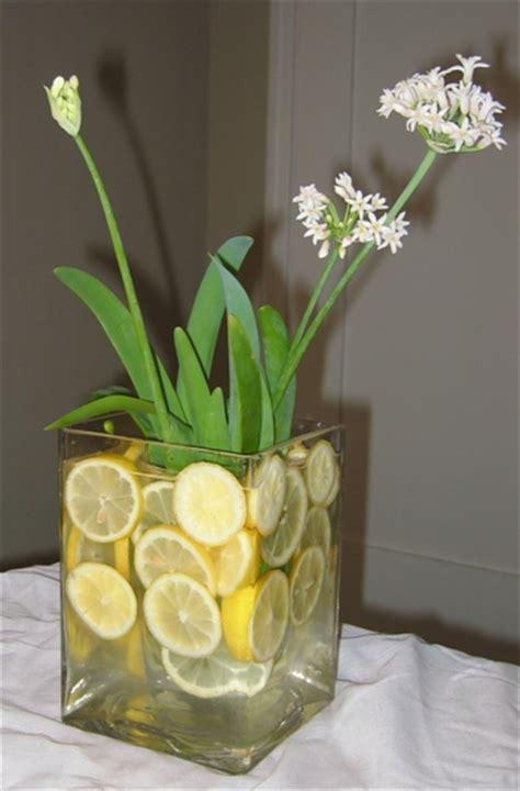 como decorar jarrones de vidrio con frutas decoraci 243 n de centros de mesa y arreglos florales con frutas