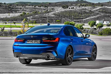 2020 Bmw 3 Series by 2020 Bmw 3 Series Turns White And Blue In Brand New Photo