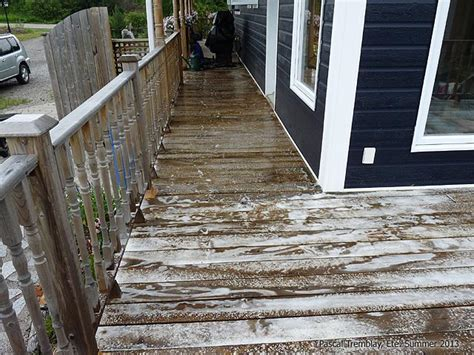 clean  deck cleaning deck  staining
