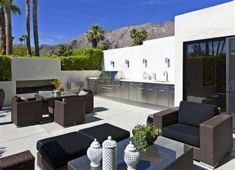 contemporary outdoor kitchens contemporary outdoor kitchen outdoor kitchen ideas 10