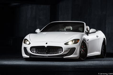 white maserati wallpaper white maserati granturismo wallpaper