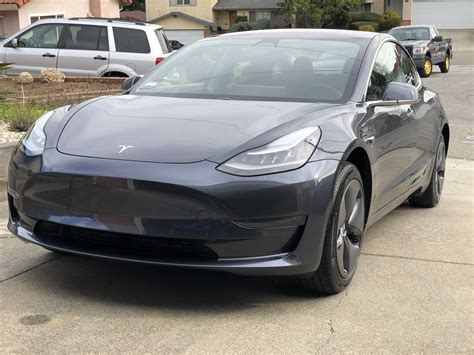tesla model 3 gray 2018 tesla model 3 grey distinctiv detailing