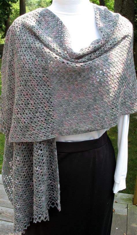 free shawl patterns to knit or crochet free crochet lace shawl crochet for beginners