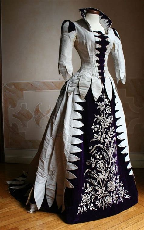 black and white pattern on clothes victorian dress love the black and white pattern