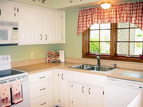 modelos de cocinas pequenas  sencillas  ventana