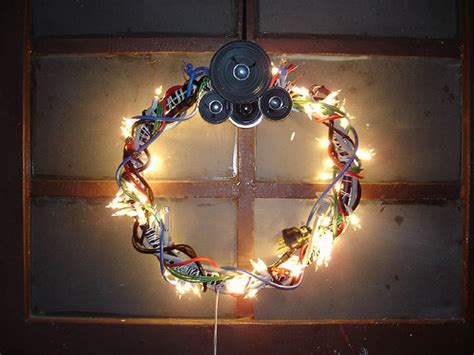 christmas decorations on the computer wreaths digsdigs